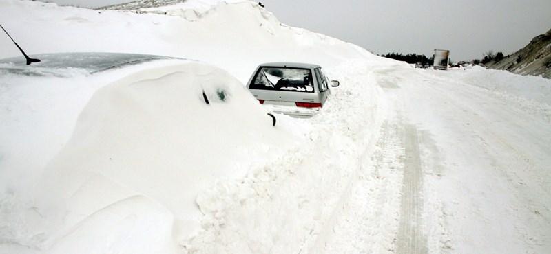 Ne egyen havat: orvosi tanácsok az elakadt autósoknak