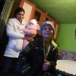 A roma döntéshozók hallgatnak Gyöngyöspatáról és ez is csak Orbánnak jó