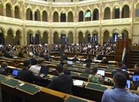 Jövő héten ismét összeül a parlament