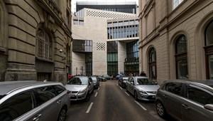 Kúria: A főváros nem tilthatja ki a magáncégeket a parkolás-ellenőrzésből