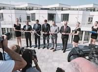 A debreceni polgármester elismerte, hogy a milliós tandíjú magániskolába jár a lánya