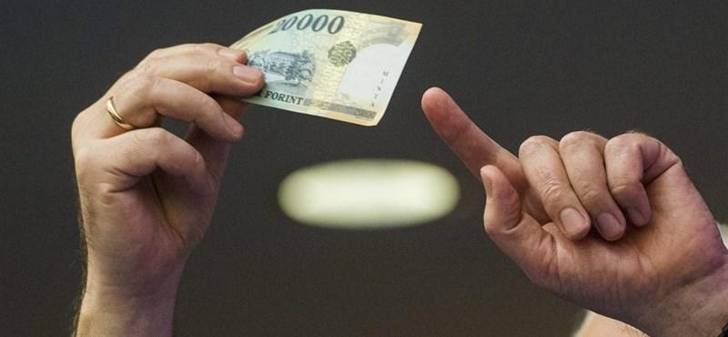 """Mire elég nyugdíjasként az """"aktívként"""" havonta félretett 20 ezer forint? Mutatjuk egy ábrán"""