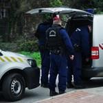 Szabadnapos rendőrök oltottak el egy égő buszt