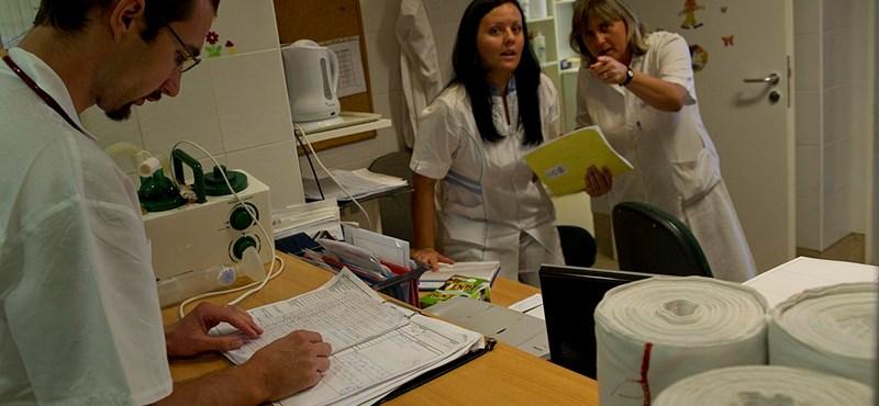 Emmi: kevesebb pályakezdő orvos költözik külföldre, mint korábban