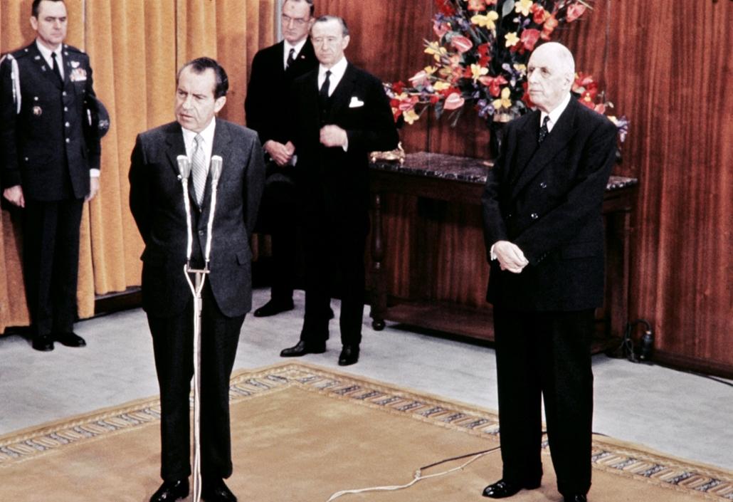 1969.02.28. - a francia elnök, Charles de Gaulle  társaságában Párizsban montott beszédén - Nixonnagyitas