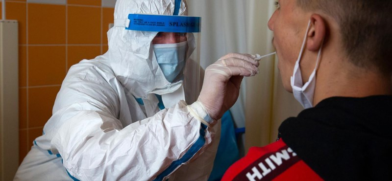 Hamar ezres nagyságrendre ugorhat a napi új fertőzöttek száma