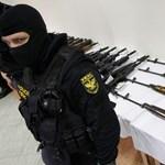 Maffiózók pályáztak a Brad Pitt-film fegyvereire?