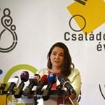 Novák Katalin a tüntetőknek: Valóságshow-t játszanak az utcán, színészkednek és provokálnak