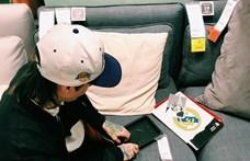 Saját fotókra cserélte egy pár az IKEA-ban a kiállított képeket