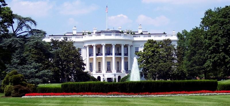 Obama vezetésével is körbenézhet a Fehér Házban, a saját gépe előtt ülve