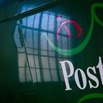Száz dolgozót kirúgnak a Magyar Postától