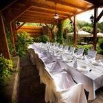 A Diófa a legvirágosabb étterem