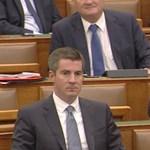 Jakab lehülyézte Orbánt a Parlamentben