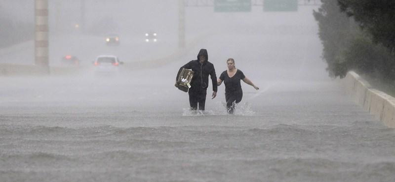 Ledarálta Texast Harvey, a hurrikán