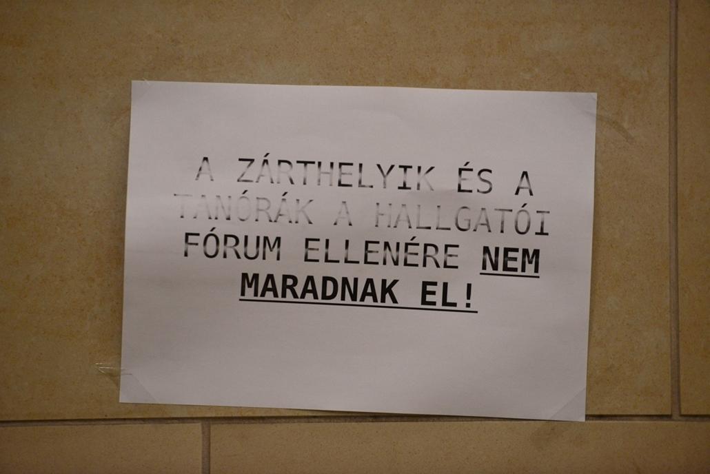 Tüntetés az ELTE lágymányosi kampuszánál - ELTE TTK