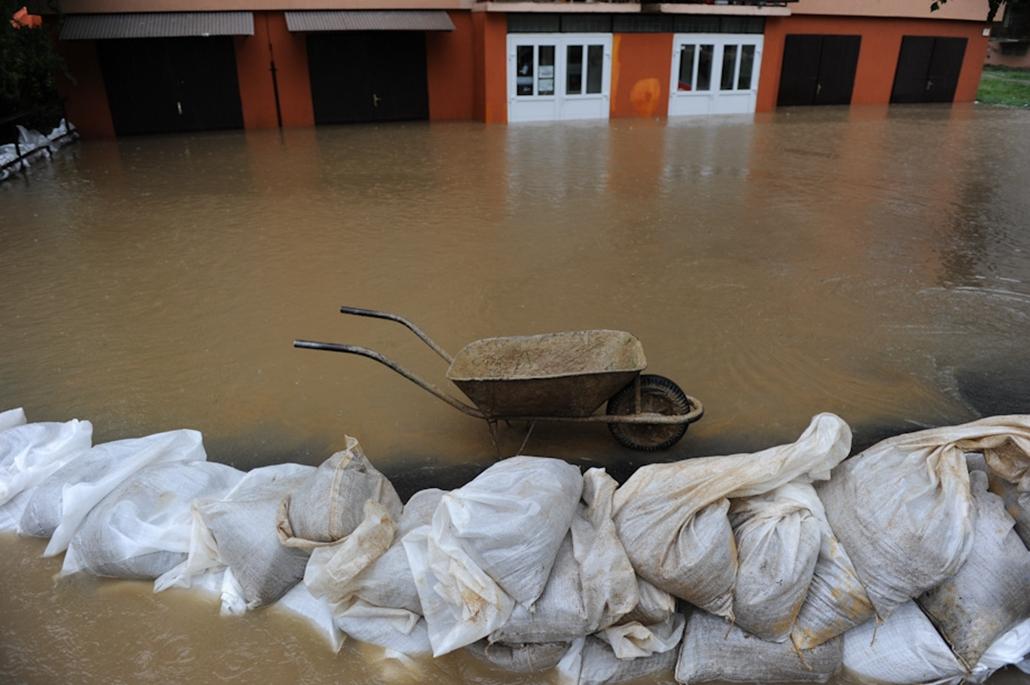 árvíz áradás Miskolc Sajószentpéter