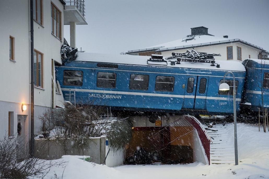 Stocholm - házba rohant egy vonat - elkötöttte a takarítónő
