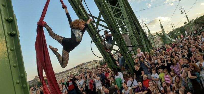 Újra a béke szigete lett a Szabadság híd - így lazultak rajta a budapestiek