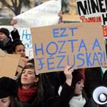Szombaton is ülősztrájkolnak a középiskolások