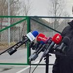 Bakondit beküldték migránsozni a koronavírusos sajtótájékoztatóra