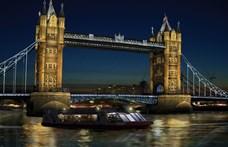 A londoni belügyminisztérium mellett késeltek meg egy férfit