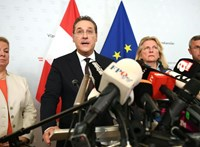 Bécsben bulihangulat van Heinz-Christian Strache lemondása után
