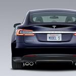 Azért fizet majd a Fiat a Teslának, hogy környezetszennyezőbb autókat gyárthasson
