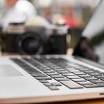 Botrányos résztvevő zavarta meg egy budapesti iskola online évzáróját