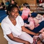 Fotó: Konkurenciát kapnak a kormány bevándorlóellenes óriásplakátjai