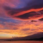 Fotók: Ufóészlelés vagy különös természeti jelenség ez az Etna felett?