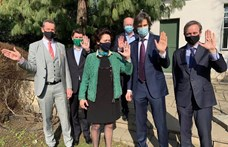Közös képpel állt ki hat magyarországi nagykövet a szivárványcsaládok mellett