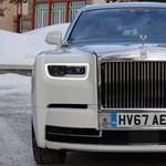 Autók, amikre senkinek nincs szüksége: hóban, jégen nyúztunk Rolls-Royce-okat