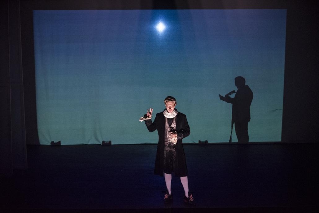 ji.17.09.13. - TÁP Színház - Szerb Antal: Utas és holdvilág - színdarab