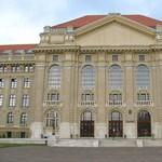 Megpróbálták megmagyarázni a méregdrága kórházi parkolási díjat Debrecenben