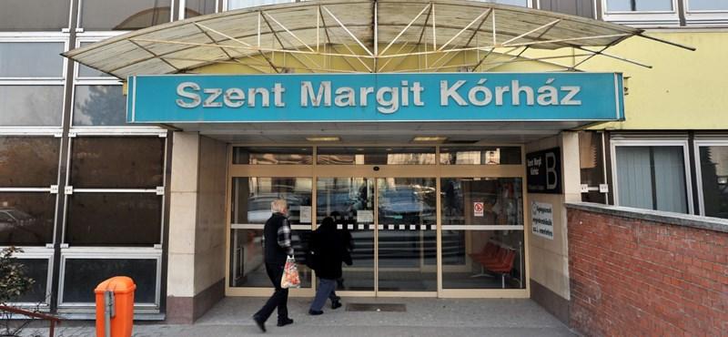 Négy autót béreltek a Szent Margit Kórház fideszes gazdasági igazgatójának