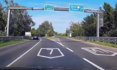 Ötven autóval tüntettek a túlóratörvény ellen Nagykanizsán