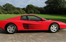 32 éves, mégis bejáratósan új ez az eladó Ferrari Testarossa