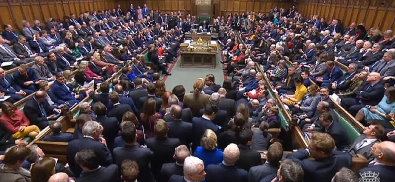 Boris Johnson elbukta: szerdán újra összeül a brit parlament