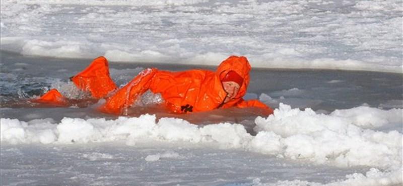 Harry herceg az Északi-sarkon – fotó