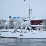 Ipari hó borította be Kazincbarcikát – fotók