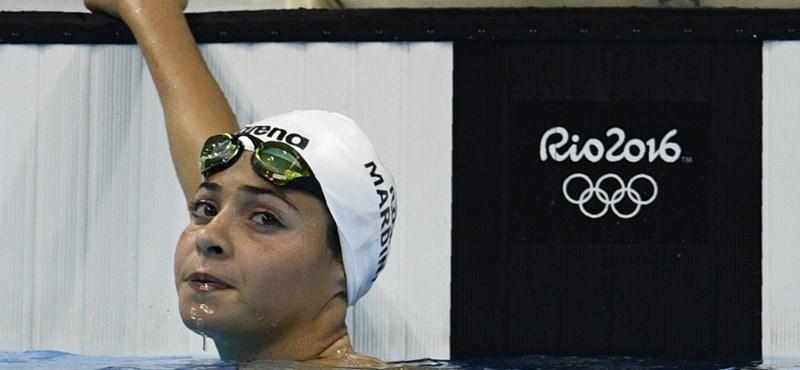 Knézy magyarázza, miért hallgatott a menekült úszó sikeréről