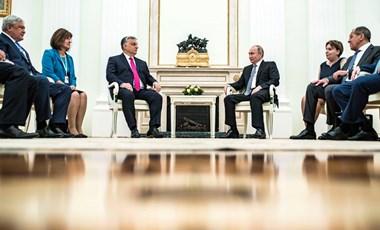 Orbán tiszteletét tette Putyinnál, és vitte Csányit is
