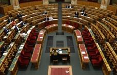 Az Országgyűlés attól autonóm, ha nem kell határidőre válaszolnia