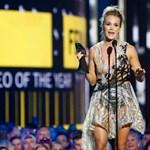 Magyar tervező ruháját viselte a Grammy-díjas énekesnő egy díjátadón