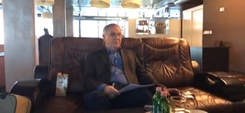 A közmédia egyik vezetője Hadházynak: Tökéletesen jónak látom a közmédia híradóit