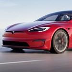 A Tesla elkaszálta az 1100+ lóerős csúcs-villanyautót