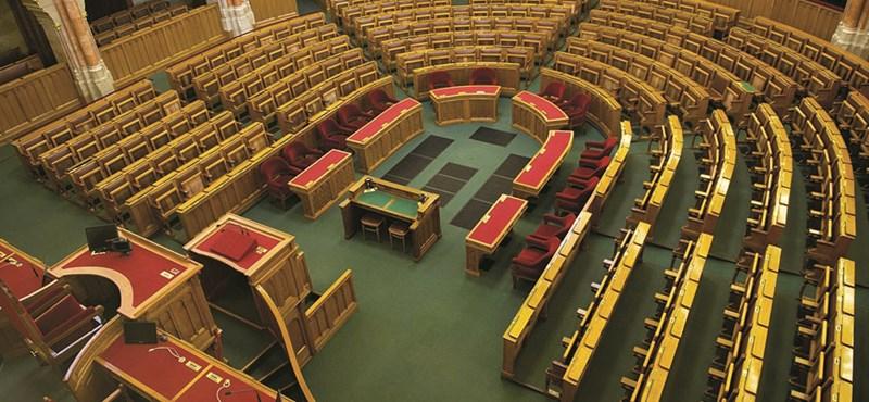 Ma szavaznak csak a parlamentben a családvédelmi akciótervről