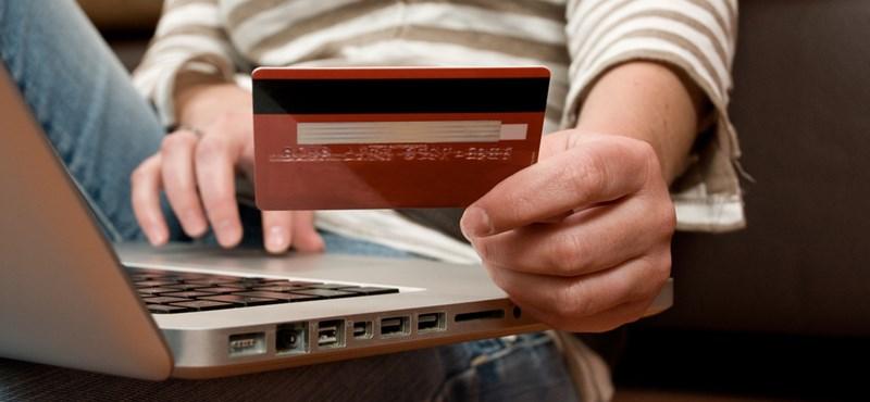 Átlagosan 7800 forintot költöttünk el online tavaly