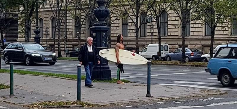 Szavazzon, melyik kormánypolitikus vezesse a magyar szörfösöket?