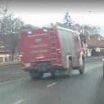 Videó: így csattant hatalmasat Szentendrén a szirénázó tűzoltóautó